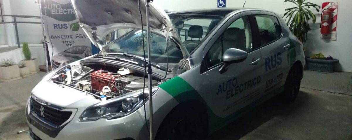 El auto eléctrico de UTN en el TC Mouras de Concepción del Uruguay